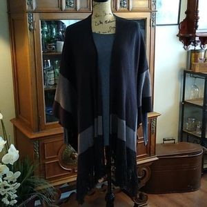 BCBG Generation Grey /Black Poncho OSFM